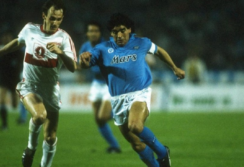 17 May 1989:  Hartmann (left) of Stuttgart moves in to tackle Diego Maradona (right) of Napoli during the UEFA Cup Final Second Leg match at the Neckarstadion in Stuttgart, Germany. Napoli won 5-4 on aggregate.  Mandatory Credit: Allsport UK /Allsport