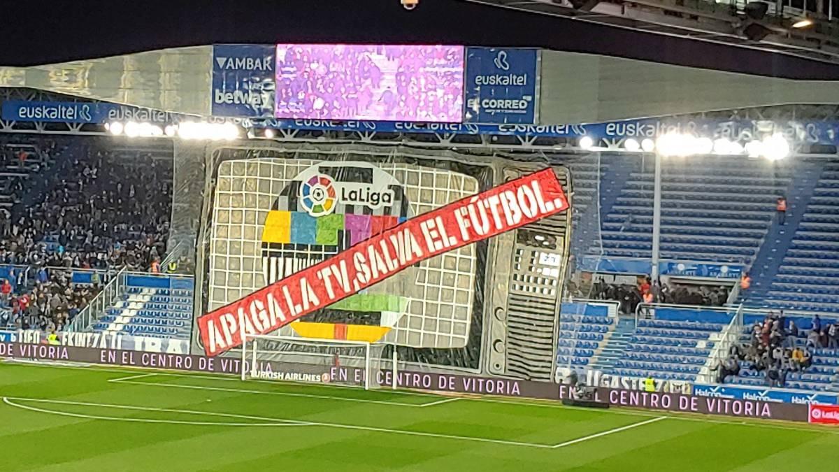 """""""Apaga la tv, salva el fútbol"""""""