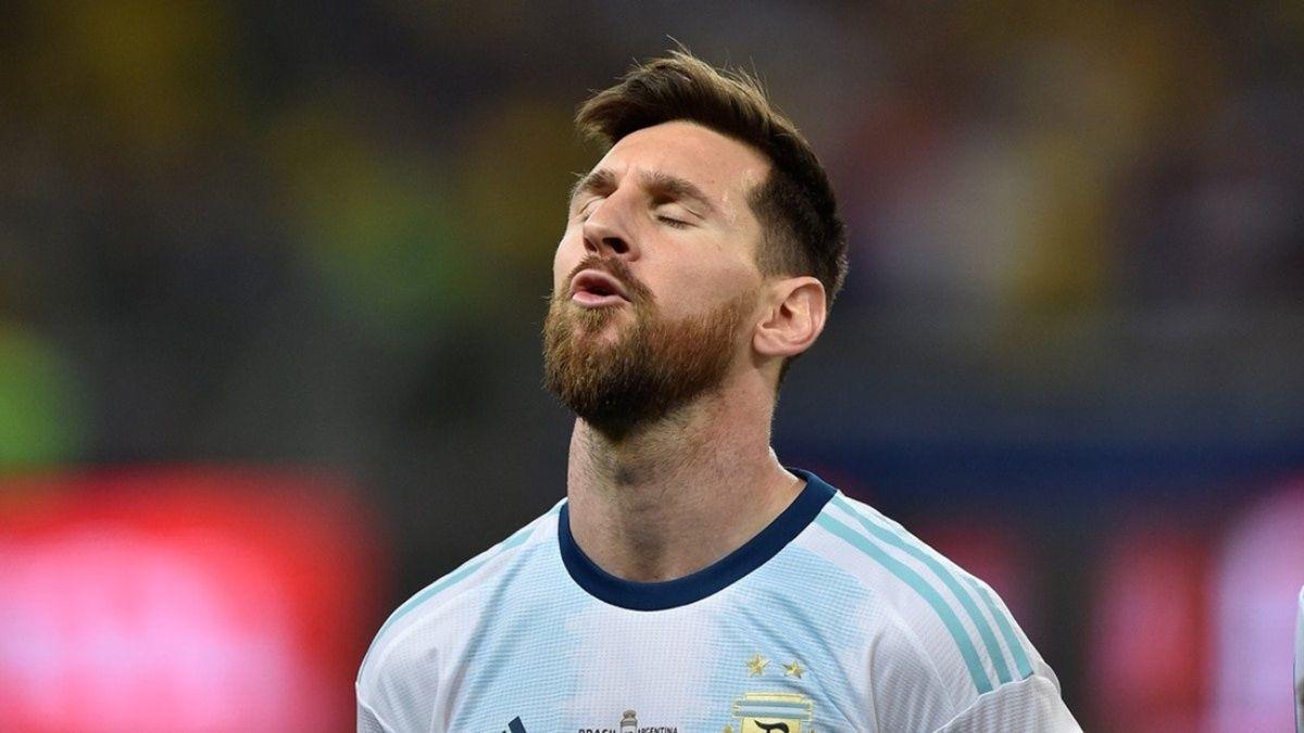 Messi, su discurso de líder y su fútbol ausente